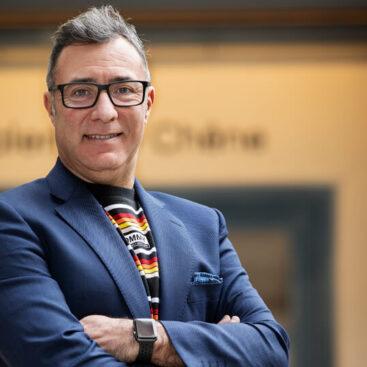 Primer plano de Gustavo Serrano CEO y socio fundador de la empresa de parquet WINco